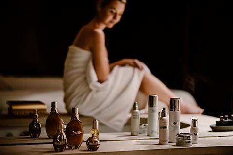 fashion photographie Noir et Blanc Portrait Bloggeur pour le Spa de l' Hotel Hyatt Vendôme.